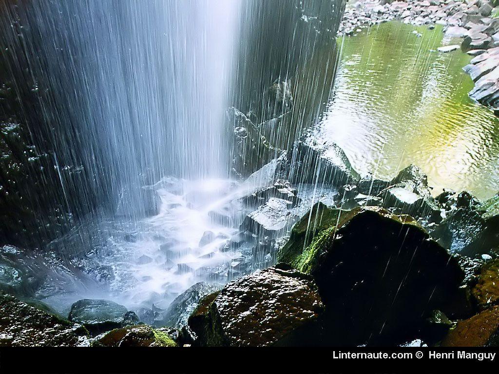 Quelques chutes eau - Plus d eau au fond des toilettes ...